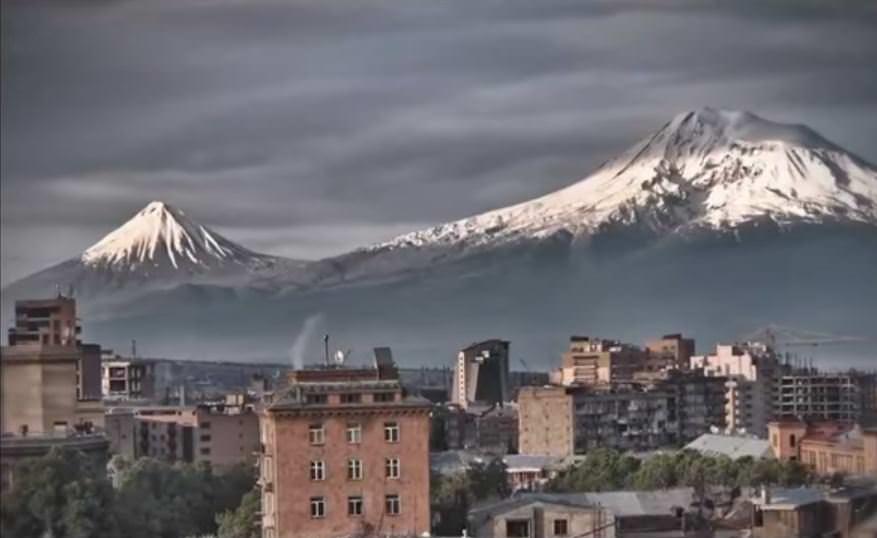 Ереван, вид на горы