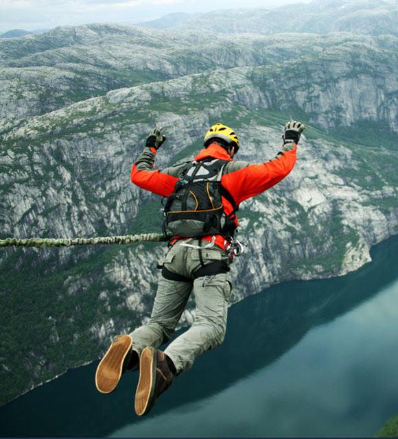прыжки с резиновым канатом
