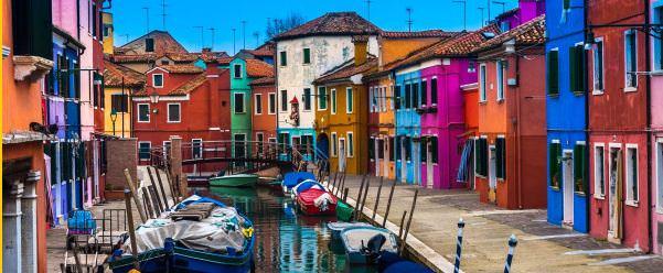 Разноцветный квартал Венеции Бурано, Италия