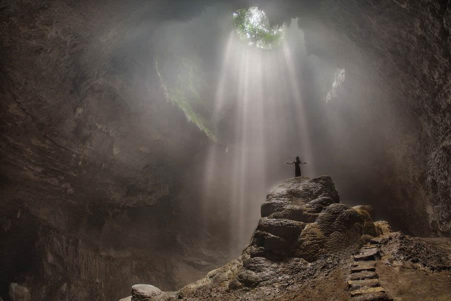 Пещера Джомбланг в Индонезии.