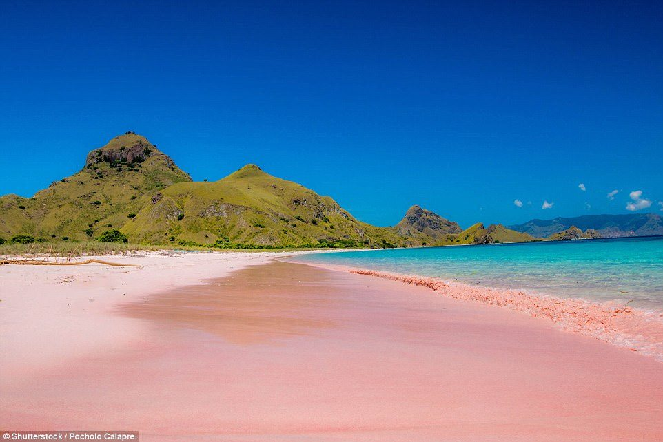 Фото пляжа в Индонезии.