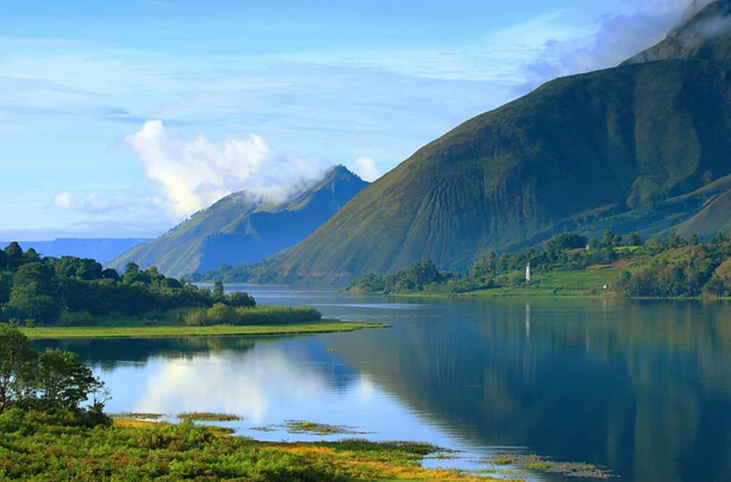Самое большое озеро в Индонезии.