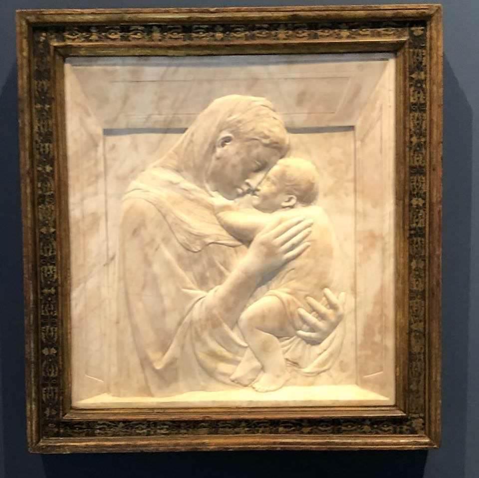Донателло, «Pazzi Madonna» (1425-1430 г.).