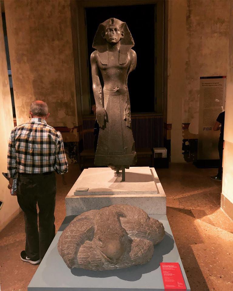 Египетский фараон и ацтекская змея.